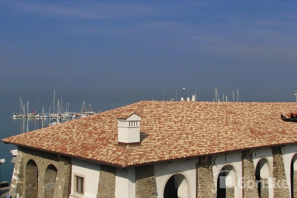 Koper - Taverna - Istrian clay roof tiles
