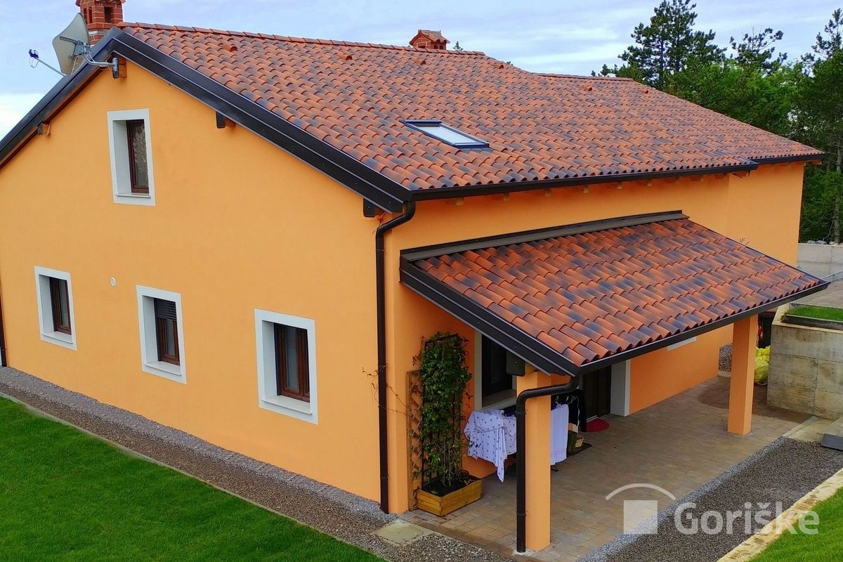 Lokev na Krasu - ancient type of clay roof tiles