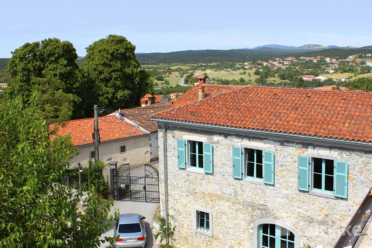 Kobdilj - Karst clay roof tiles